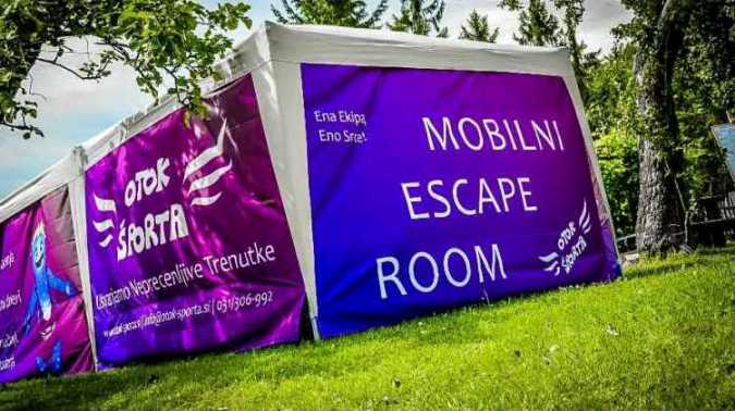 šotor za mobilni escape room